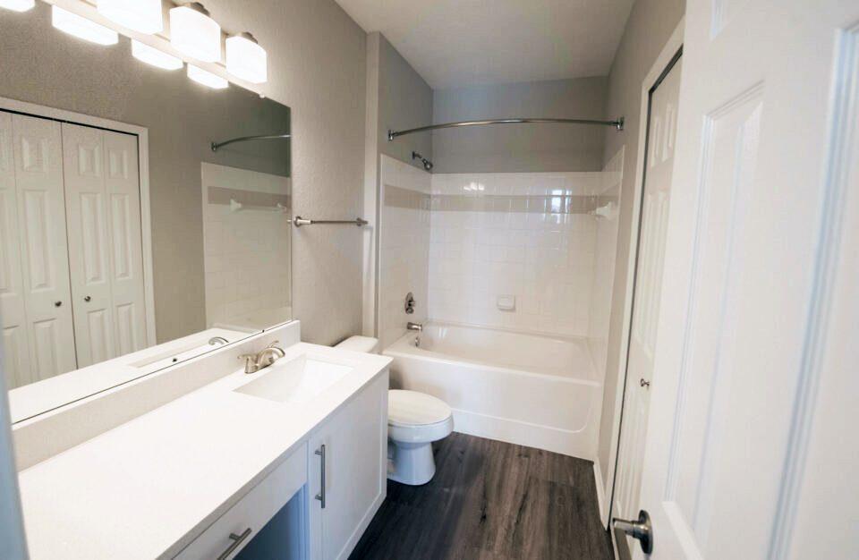 Verandahs of Brighton Bay - Bathroom Fullview